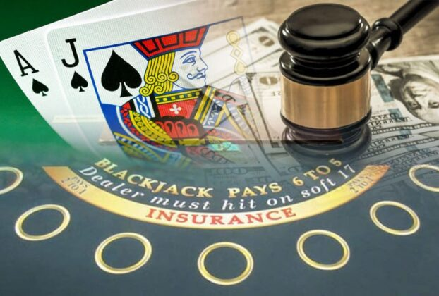 Blackjack-Tisch und Geld