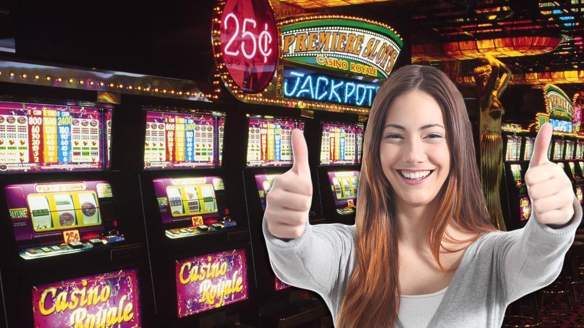 Spielautomaten mit einem glücklichen Mädchen